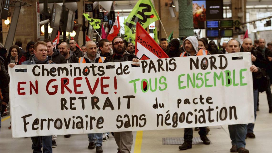 Francia anuncia oficialmente su participación en el bombardeo a Siria