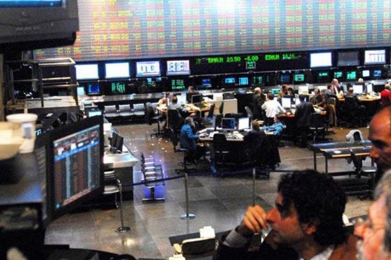 Negociaciones con el FMI: El índice Merval cayó un 3,8%