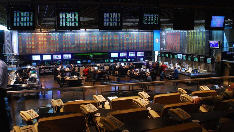 Crisis financiera: se hunde el Merval arrastrado por acciones energéticas y bancos