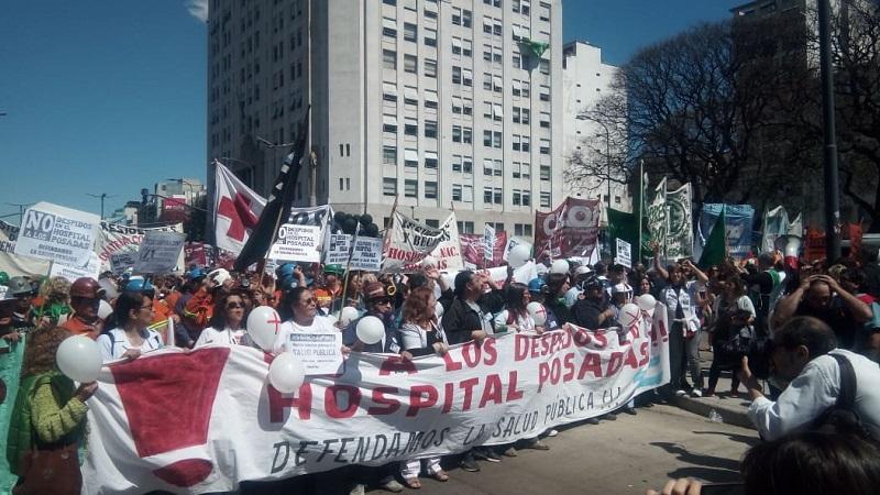 Multitudinaria marcha a Plaza de Mayo en defensa de la salud pública