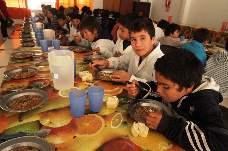 Un proyecto para terminar con el negocio del hambre en las for Comedores escolares caba