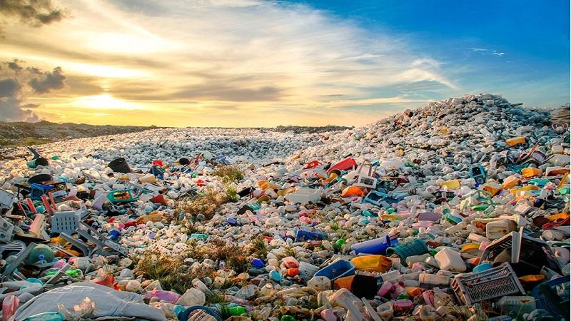 FRACTURA METABÓLICA. Capitalismo y basura: más plástico