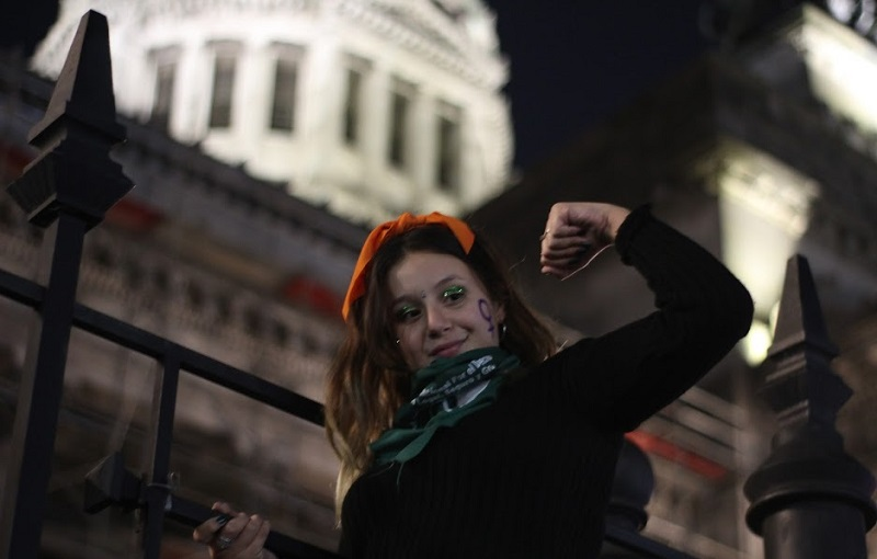 Anti-aborto marchan a un año de ganar disputa en El Senado