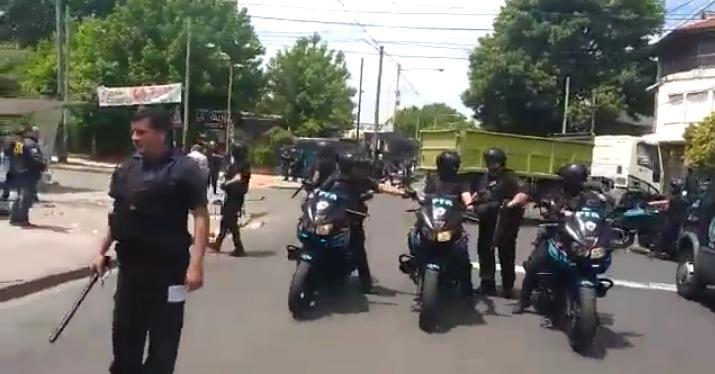Quilmes: Martiniano Molina y la Policía Federal reprimen a vendedores ambulantes - La Izquierda Diario
