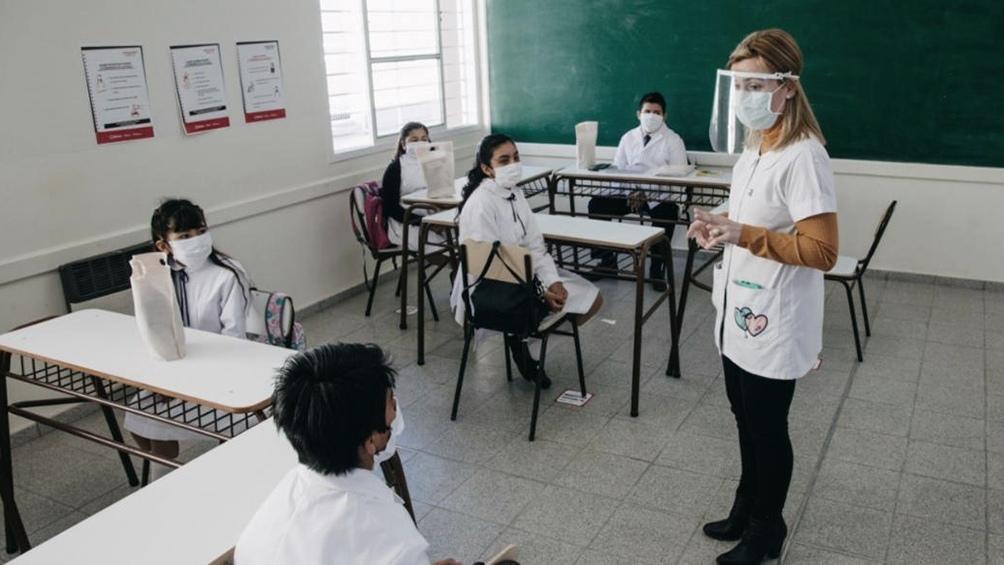 Así será el orden de prioridades para la vacunación docente que anunció Vizzotti