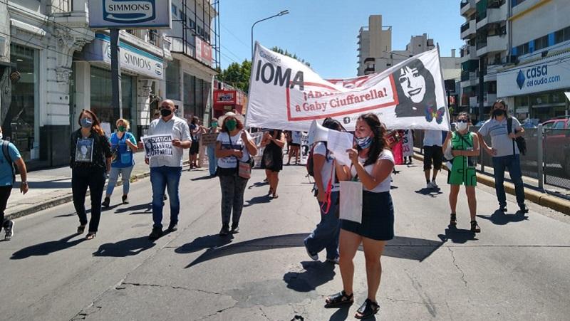 Nueva movilización a IOMA exige justicia por Gabriela Ciufarella a 3 años de su fallecimiento