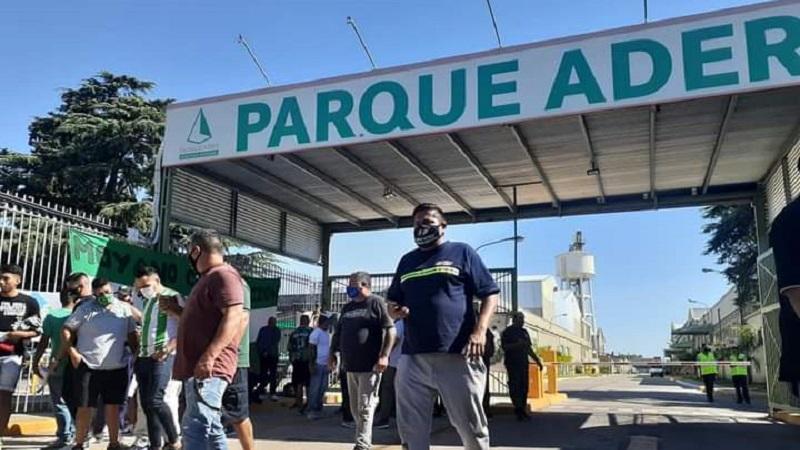 Un juez rechazó desalojar la protesta de Camioneros en el parque industrial de Villa Adelina