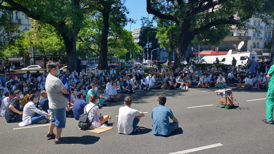 Asamblea de residentes: trabajadoras de la salud convocan a movilizarse el 8M