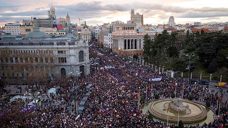"""España: """"El Gobierno del PSOE y Podemos prohíbe la manifestación del 8M en varias ciudades"""""""