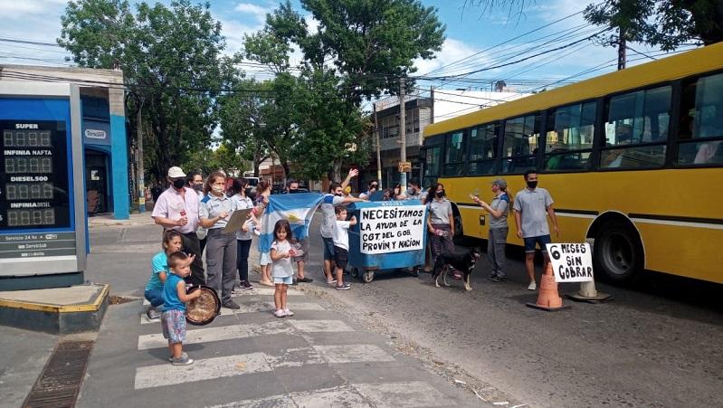 [Video]Trabajadores de YPF sostienen la toma y hoy cortaron parcialmente la calle en Rosario
