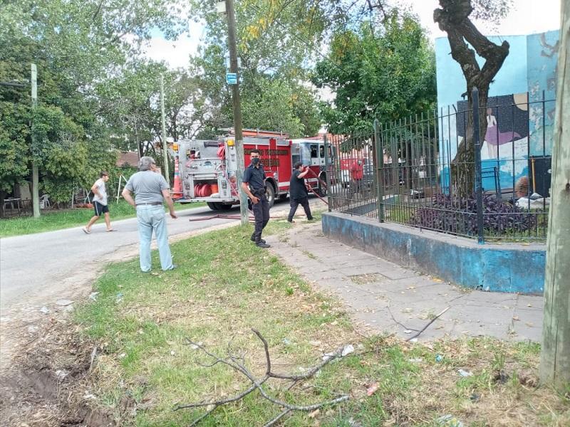 Escobar: se incendió un techo de una escuela a tres días del inicio de clases