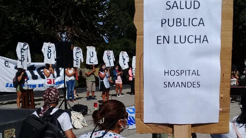 Multitudinaria marcha de los sectores salud y educación en San Martín de los Andes