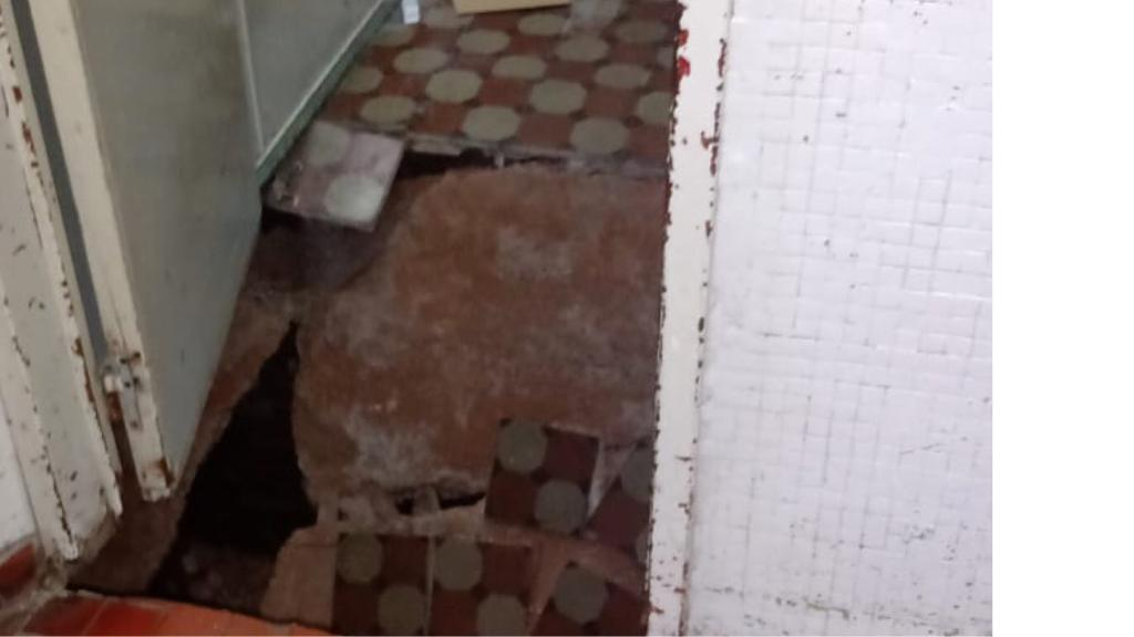 [VIDEO] Derrumbe en una sala del Hospital Lucio Meléndez