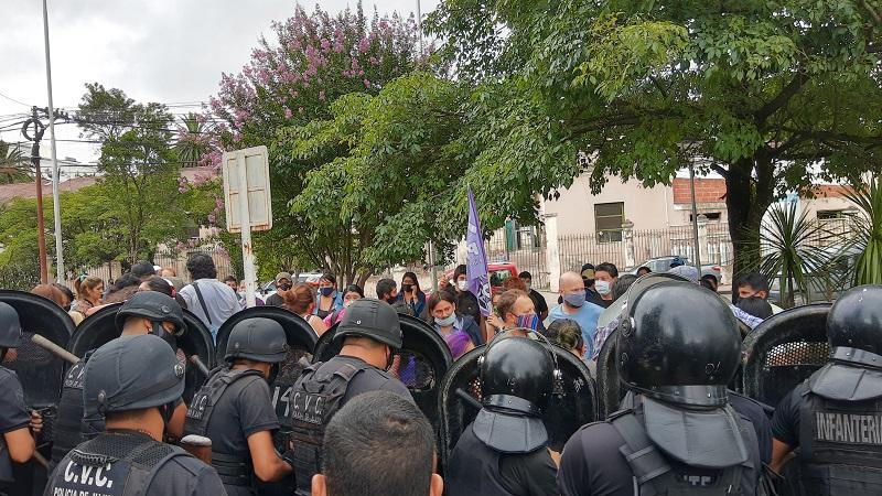 """FIT: """"No hay 'interna', es un ataque inaudito de la UCR a las libertades democráticas"""""""