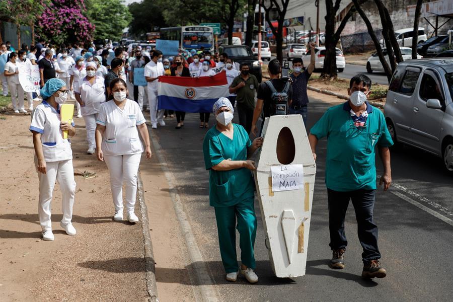 Crecen las movilizaciones en Paraguay ante el aumento de casos de Covid y la falta de insumos
