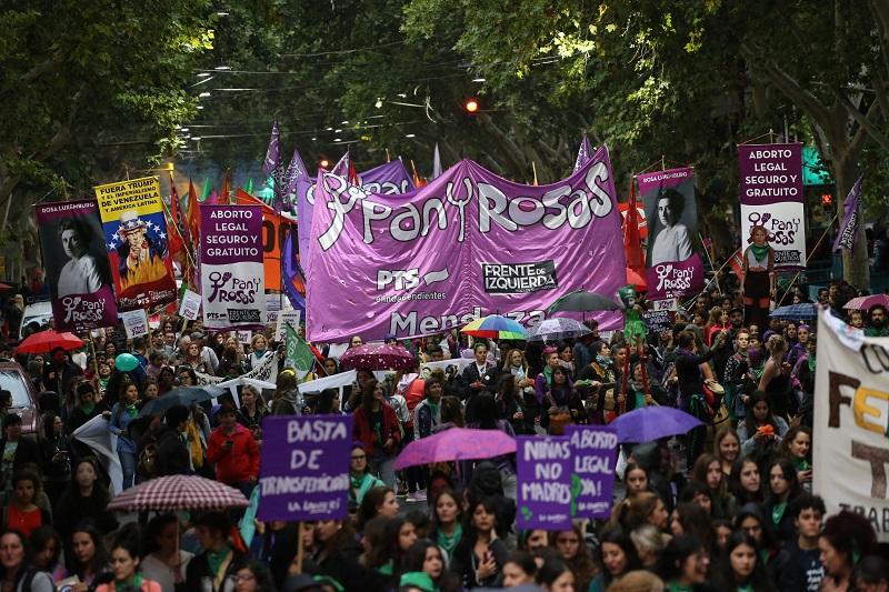 [Especial] 8M: Razones para marchar con Pan y Rosas en Mendoza