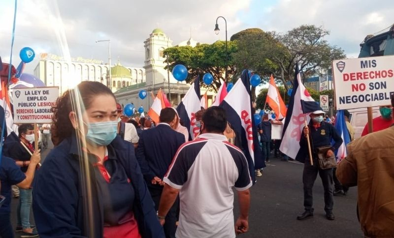 Movilización en San José contra ley de Empleo Público