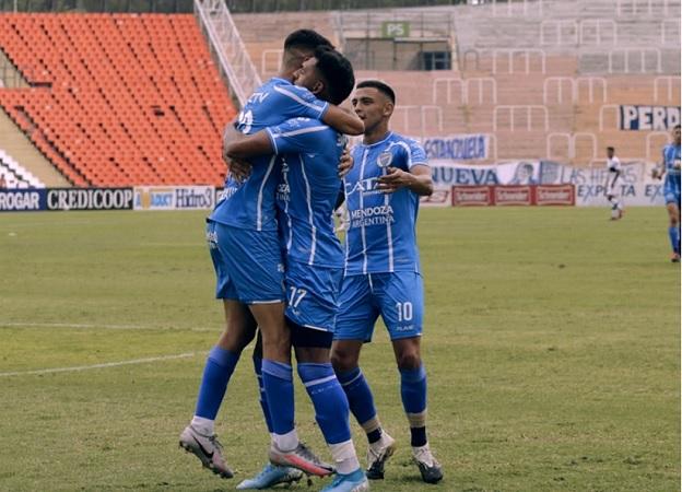 Godoy Cruz remontó un partido difícil y se llevó el triunfo frente a Platense
