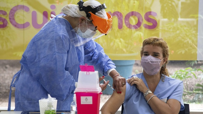 Larreta obliga al personal con enfermedades de riesgo a volver a los hospitales