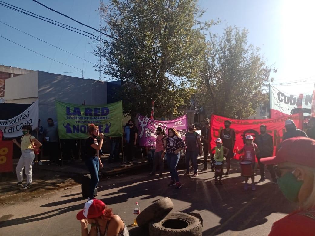 [AHORA] Trabajadores del Hospital Larcade realizan protesta por despido persecutorio