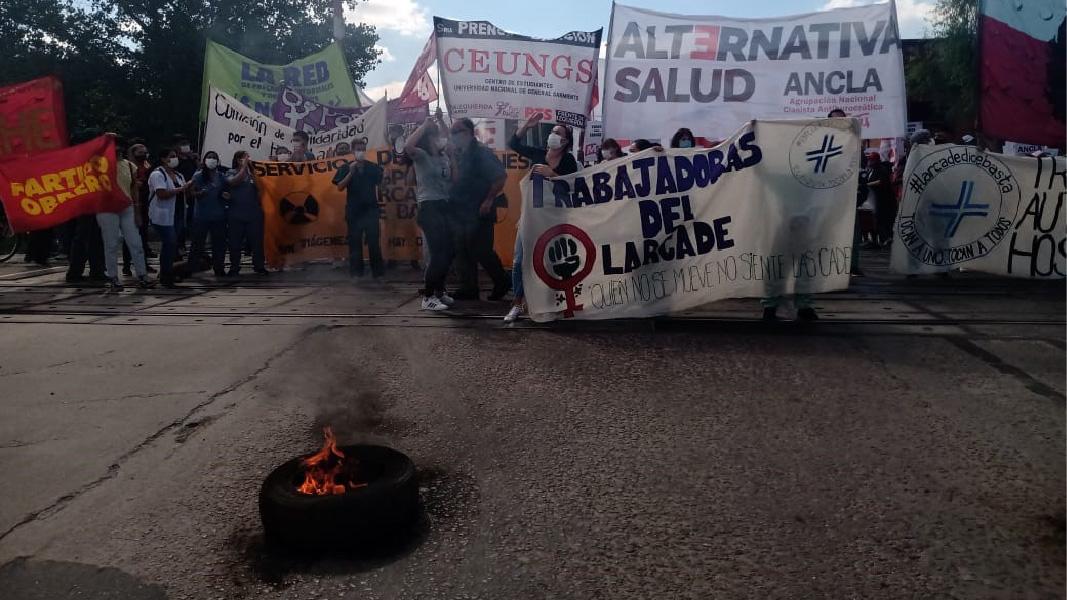 San Miguel: Trabajadores del Hospital Larcade cortaron las vías del tren San Martín