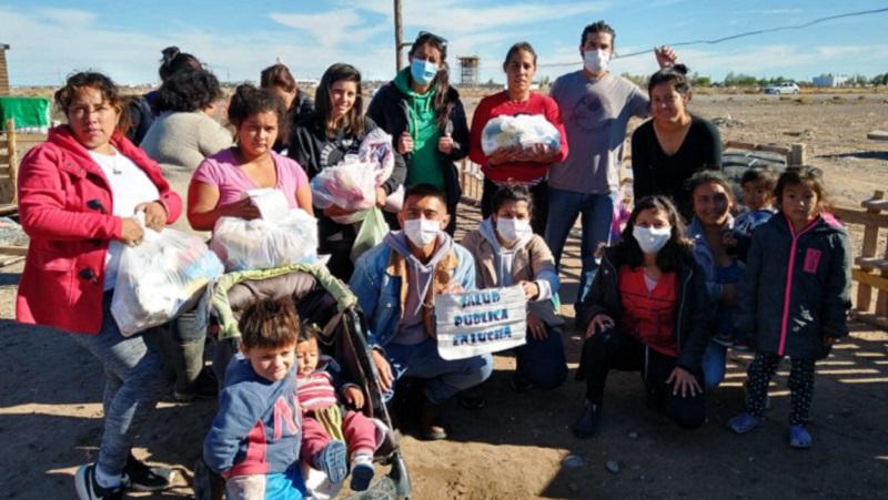 Trabajadores y trabajadoras de la salud se solidarizan con una toma afectada por el temporal