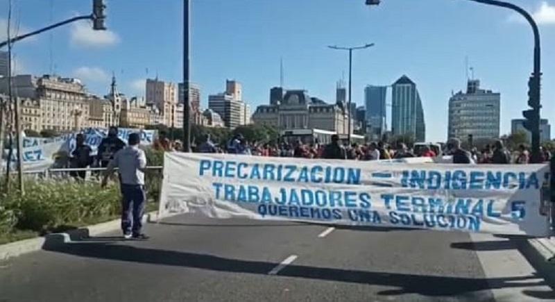 Con el Puerto militarizado, el gobierno y la burocracia firmarán acta a espaldas de los trabajadores