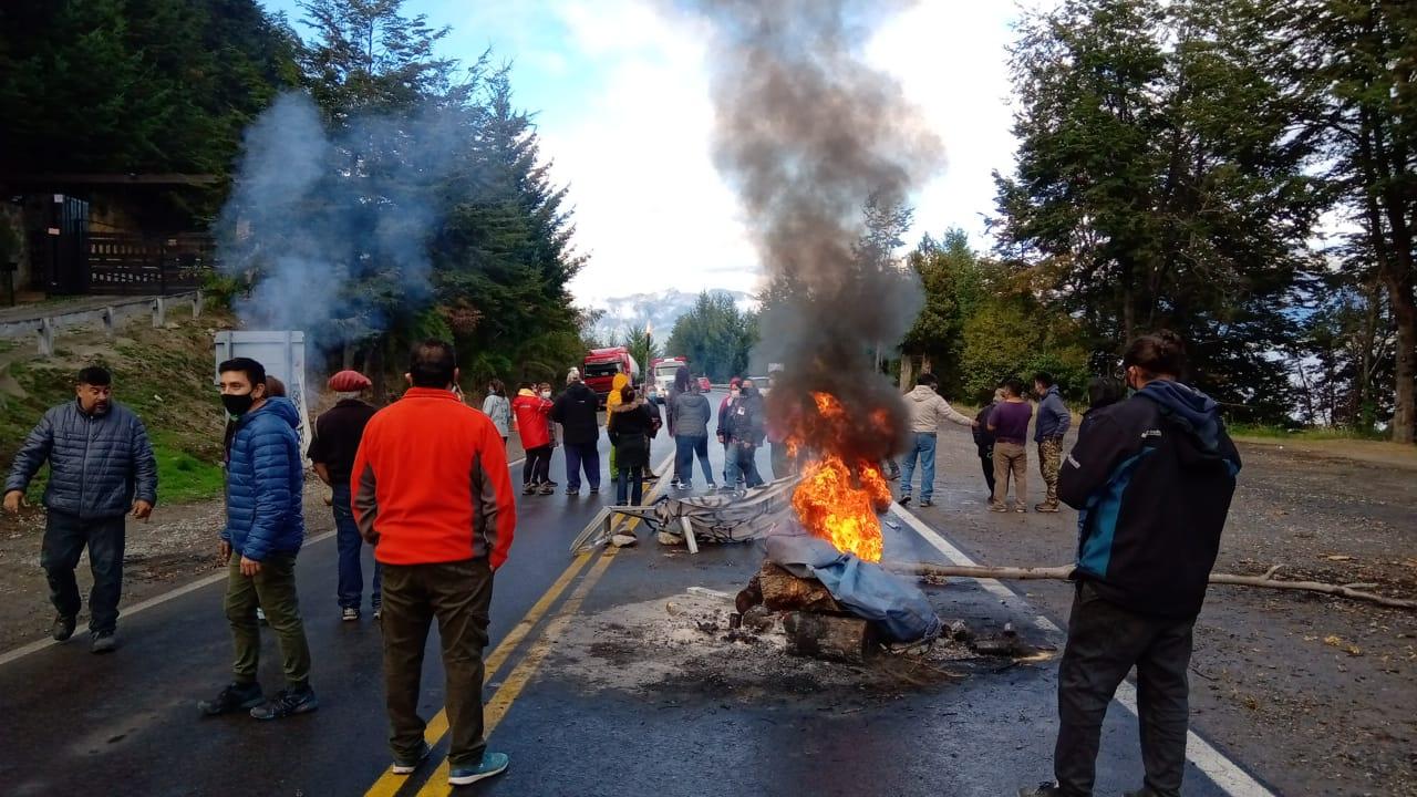 Ataque a la lucha de salud: Gendarmería liberó un carril en Villa la Angostura