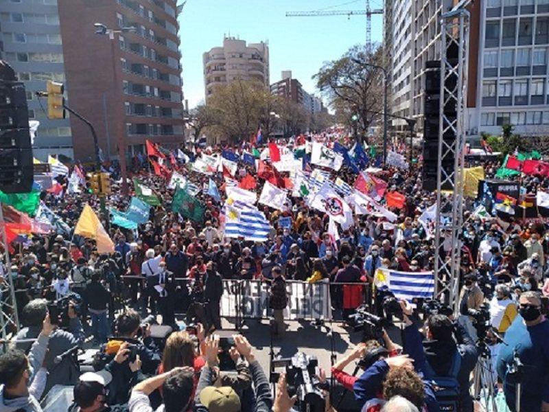 Paro general. Uruguay: alto acatamiento al paro de la central obrera PIT-CNT