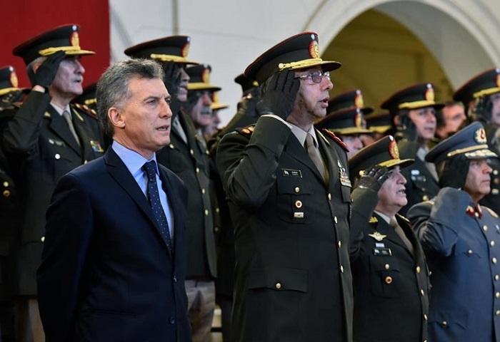 Día del Ejército  El Gobierno quiere que los militares intervengan en las calles