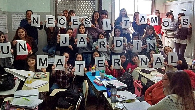 Lan s estudiantes terciarios reclaman un jard n maternal for Inscripcion jardin maternal 2016 caba