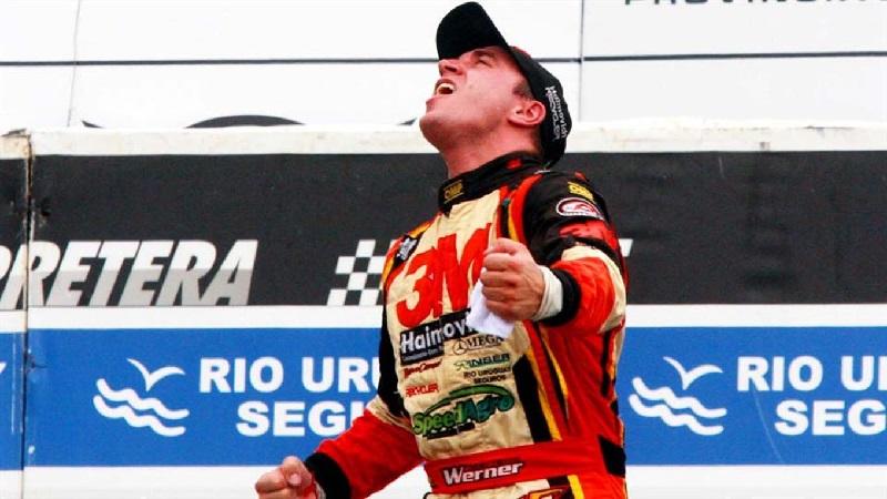 Rossi, dueño de la pole con la vuelta del viernes