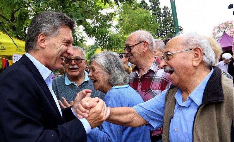 Macri anunció un aumento superior al 10% para los jubilados