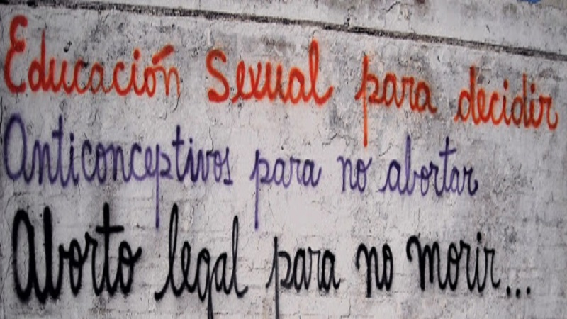 En Bolivia plantean aborto por pobreza