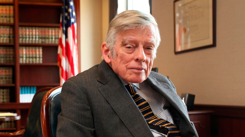 Juez estadounidense Griesa ordena a Argentina un nuevo arreglo con fondos buitre