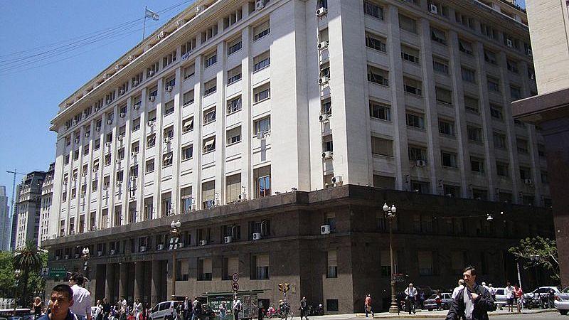 Cooperativistas tomaron el Ministerio de Energía en rechazo al tarifazo