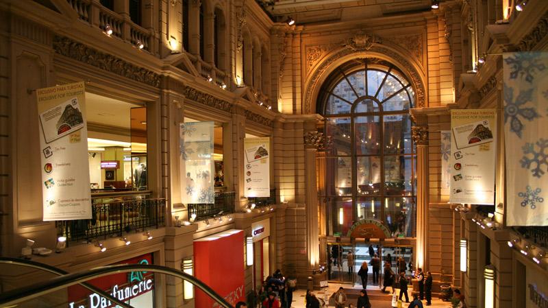El consumo en shoppings y súper no da señales de mejora