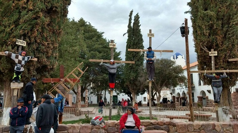 Crucificaron a un niño en Jujuy para pedir