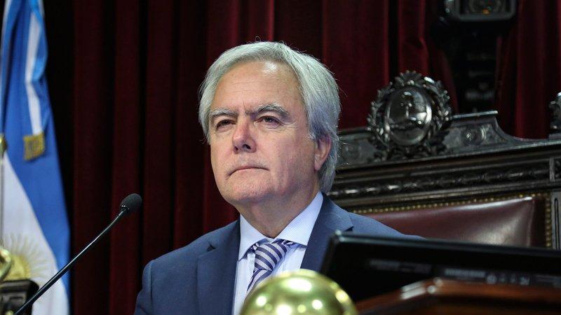 Macri uso un decreto de Menem para quitar pensión a discapacitados