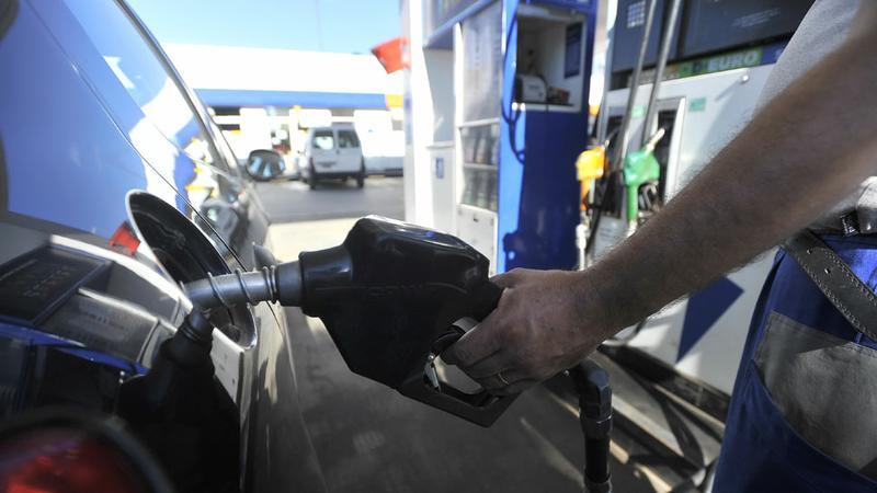 Según estacioneros, combustibles subieron porque el Gobierno compensó a petroleras