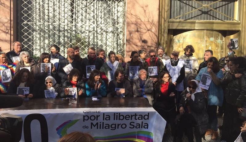 Lanzan campaña por la libertad de Milagro Sala