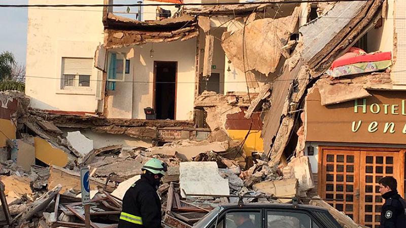 Impresionante derrumbe en un hotel de Santa Teresita — Flor de susto