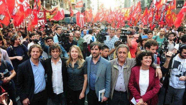 El Frente de Izquierda platense culmina su campaña en Plaza San Martín
