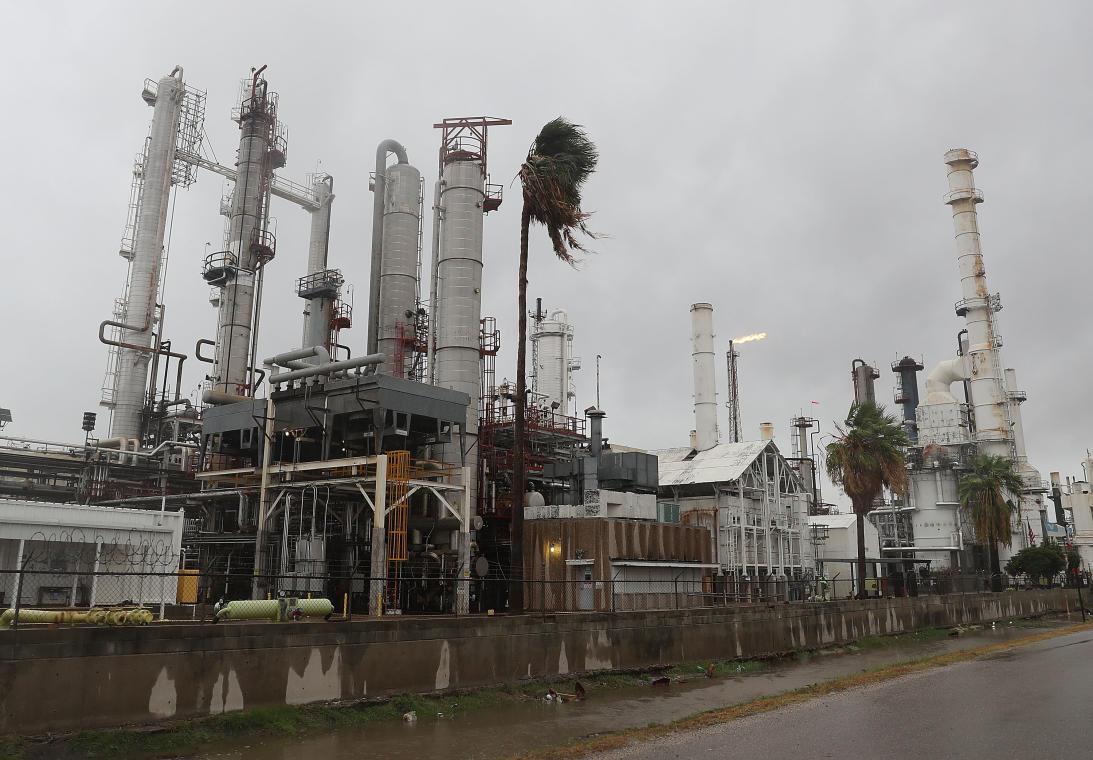 Garantiza Pemex abasto de gasolina