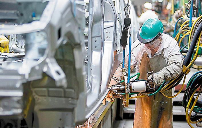 La industria aumenta el uso de sus instalaciones