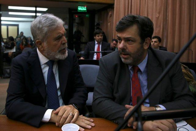 Fiscal insiste en detener a Julio De Vido