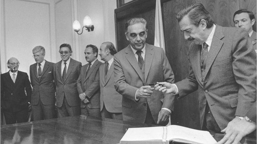 Murió Víctor Martínez, el vicepresidente de Alfonsín en 1983