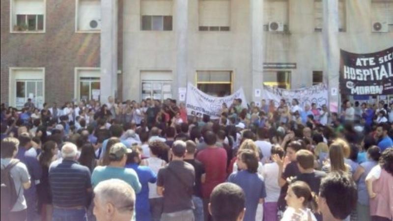 Trabajadores del Hospital Posadas reclamaron en el centro porteño