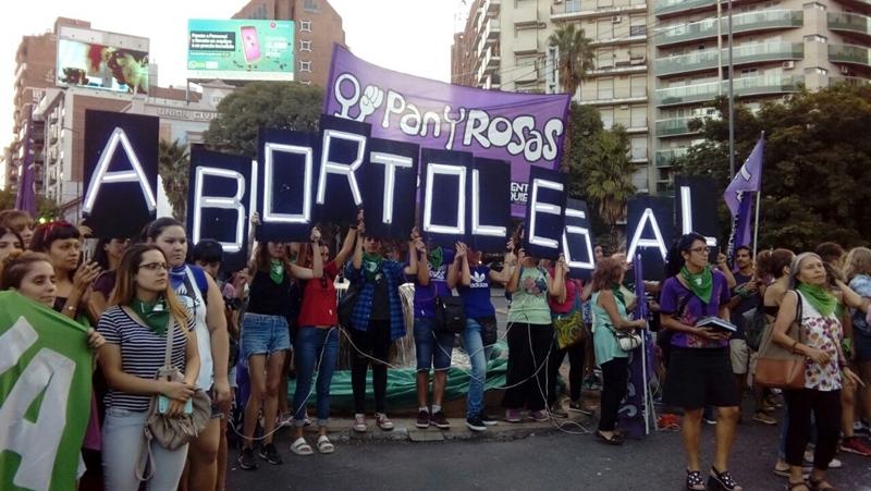 Se oficializó el proyecto transversal para despenalizar el aborto — Diputados