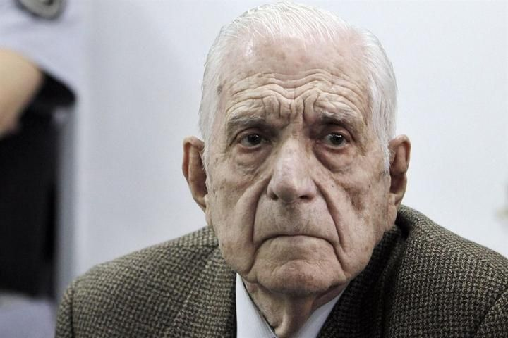 Murió el genocida Reynaldo Bignone
